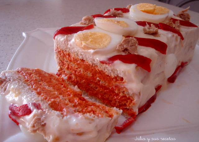Pastel fresco de atún y pimientos de piquillo. Julia y sus recetas