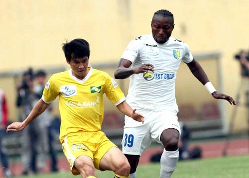 Samson từng sang Atletico Madrid thi đấu nhưng đã trở về Việt Nam vì vướng mắc hợp đồng