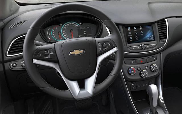 Novo Chevrolet Tracker 2017 - interior - painel