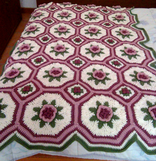 A Blanket of Roses Afghan - Free Pattern