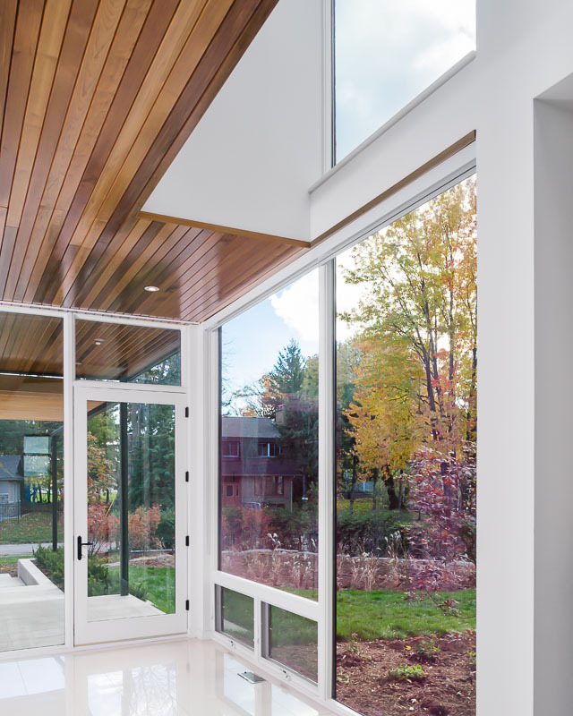 Glass wall in Amazing Ottawa River House by Christopher Simmonds Architect