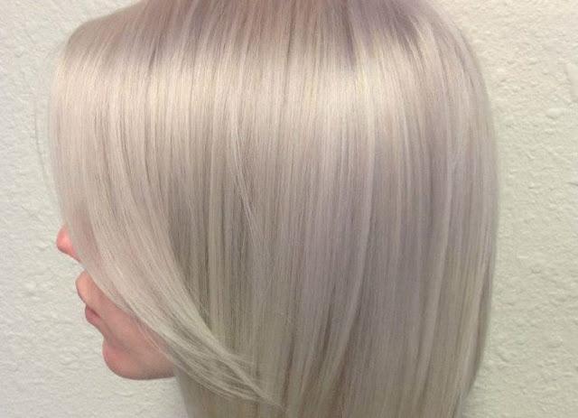 O shampoo anti-resíduo nos cabelos loiros