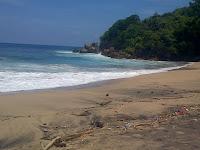 Pantai Gayasan Blitar
