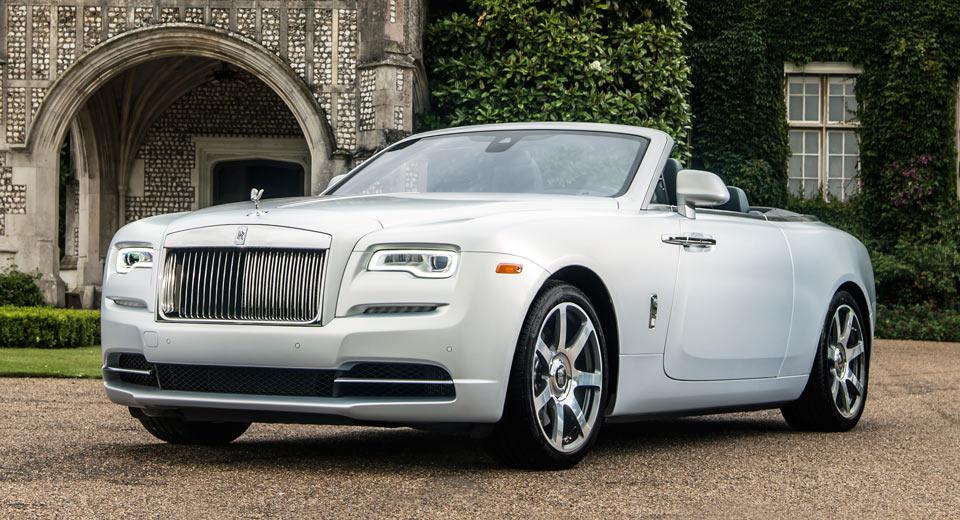 Rolls-Royce Brings Trio Of Bespoke Dawns To Pebble Beach