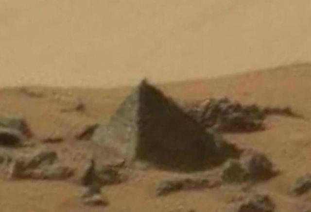 pyramids on mars planet - photo #1