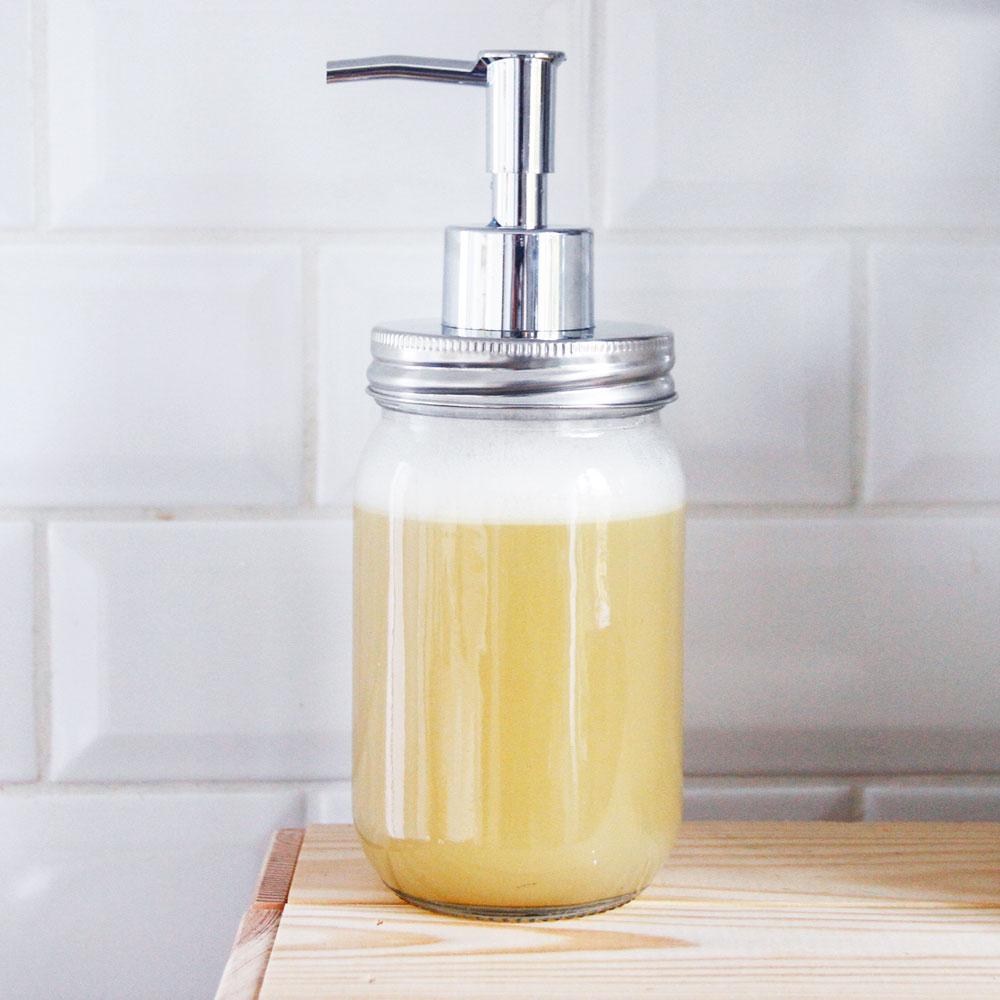 merci raoul diy savon liquide nettoyant et nourrissant pour les mains. Black Bedroom Furniture Sets. Home Design Ideas