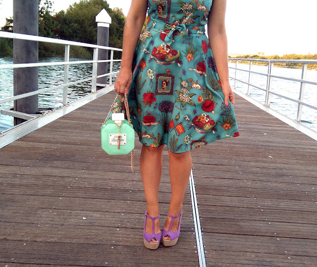 vintage-style-dress-and-bag