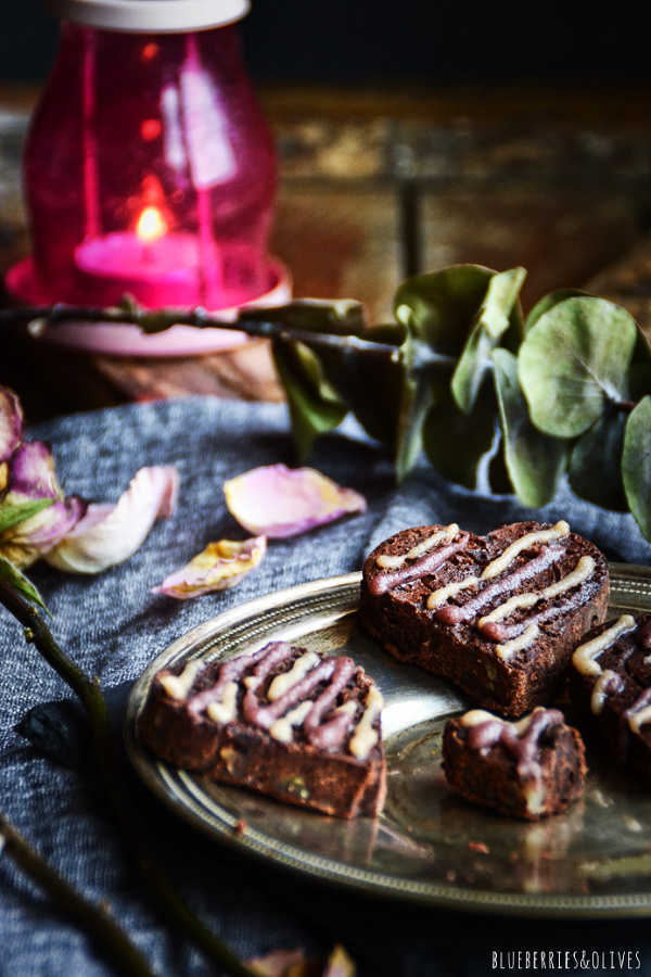 BROWNIE DESSERT WITH ROSES AND CANDLE