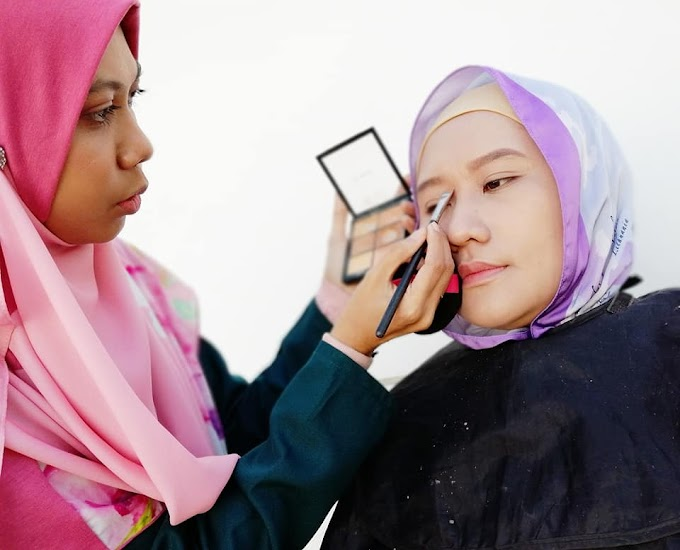 MAKE UP BY MAKE UP ARTIS PATUH SYARIAH (MUA) EELA KARIM