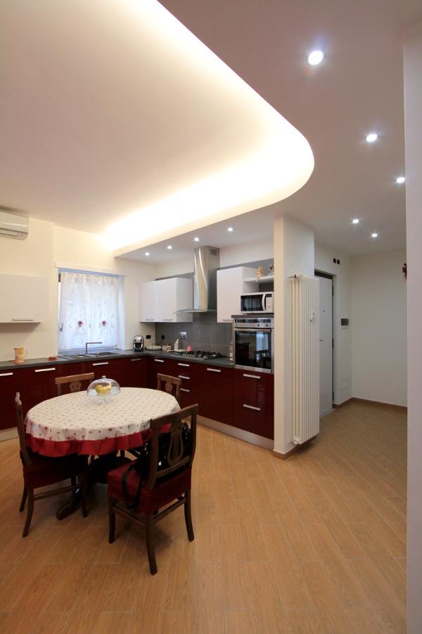 Diari di un architetto legno sassi e materia for Architetto per interni