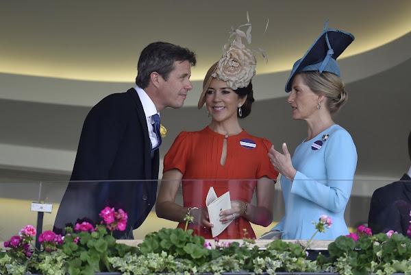 Crown-Princess-Mary-2.jpg