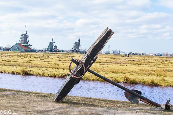 Paisaje de molinos en Zaanse Schans. Excursion desde Amsterdam: Volendam, Marken y los molinos