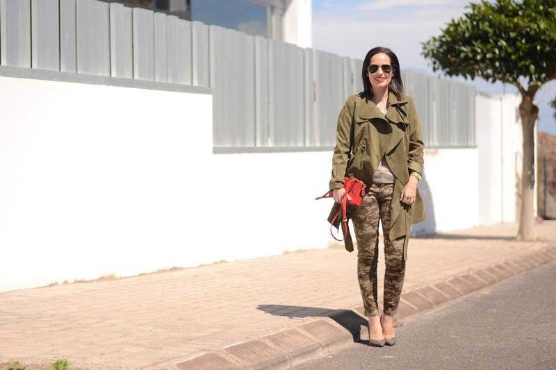 trench-camo-outfit-street-style