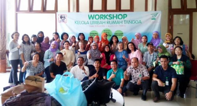 peserta workshop daur ulang sampah plastik