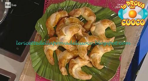 Cornetti di fontina e cipolla ricetta Moroni da Prova del Cuoco
