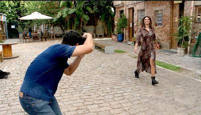 Mônica em um dos cenários de Porto Alegre (Divulgação SBT)
