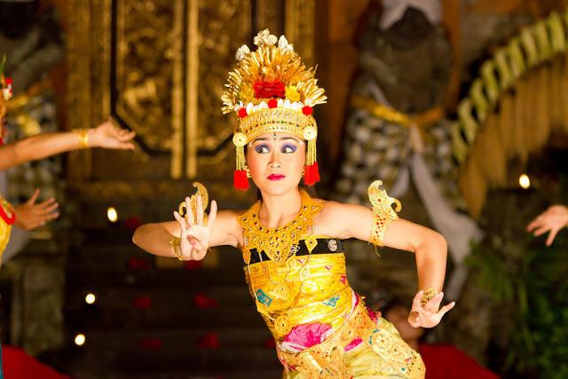 Pertunjukan Seni Tari Khas Bali