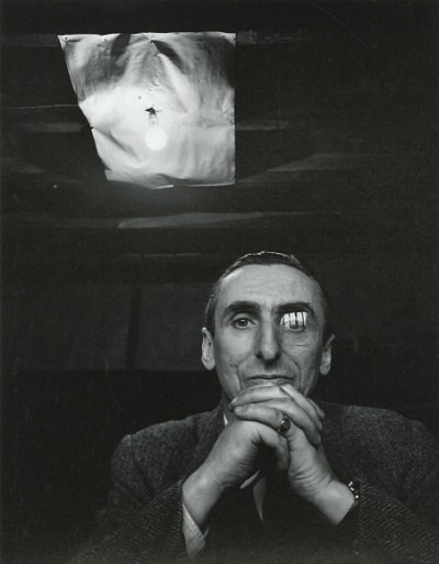 Michel Tapié, 1954, foto por Arnold Newman | imagenes bellas, retratos vintage, cool stuff, pictures, pics, photos