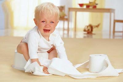 táo bón là bệnh thường gặp ở trẻ
