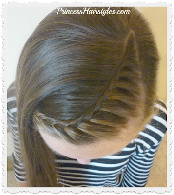 Lace braid part line hairstyle for school.