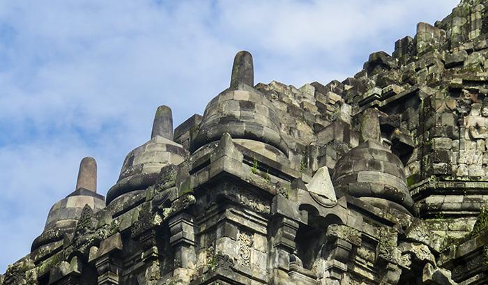 Stupa Lebar Khas Candi Buddha