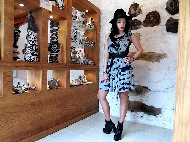 fashion, moda, look, outfit, blog, blogger, walking, penny, lane, streetstyle, style, estilo, trendy, rock, boho, chic, cool, casual, ropa, cloth, garment, inspiration, fashionblogger, art, photo, photograph, Avilés, galicia, viveiro, vestido, regal, jeans, booties, zapatos, ceramic