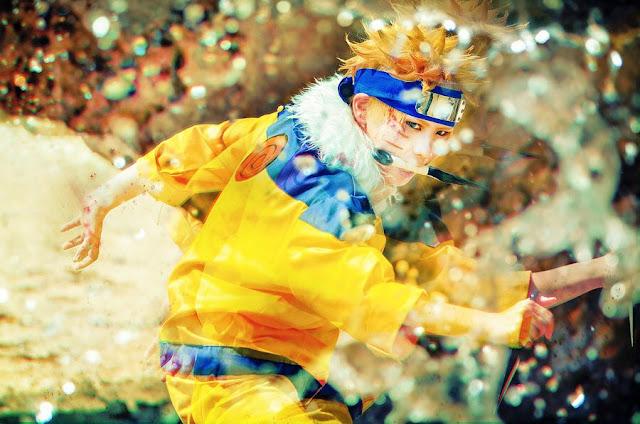 Cosplayer odgrywający Naruto