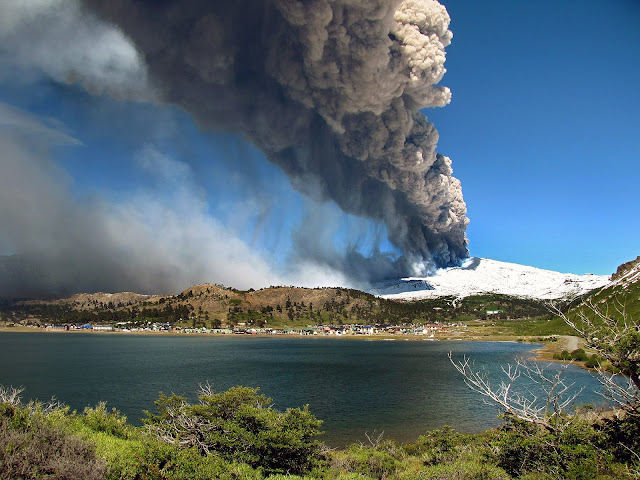 Copahue Volcano Eruption