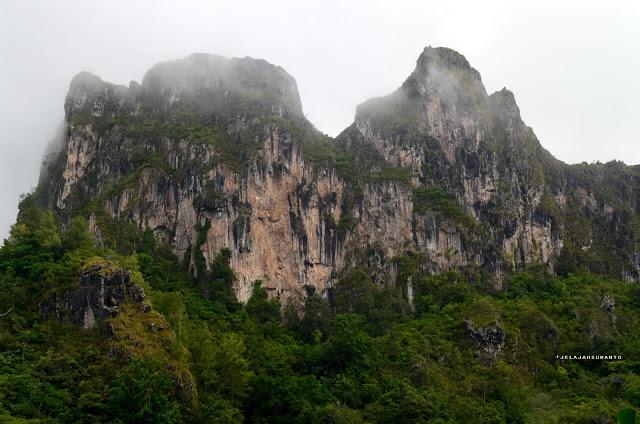 perbukitan kapur berkabut, jelajah Tana Toraja || jelajahSuwanto