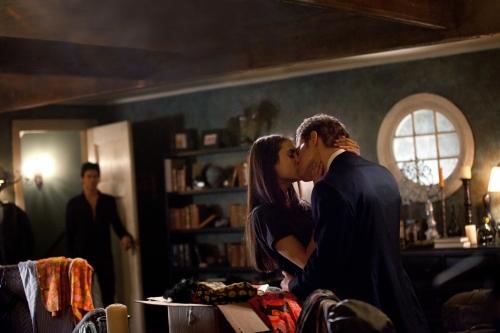 Vampire Diaries Elena en Damon dating in het echte leven