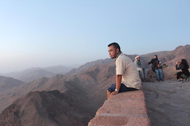 Marky Ramone Go atop Mt Sinai