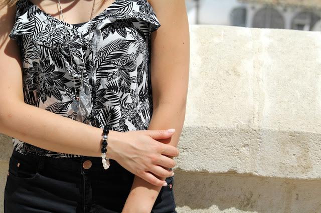 bracciale bianco e nero look black e white
