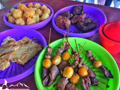 Hidangan tambahan di Soto ayam pak gareng yogyakarta