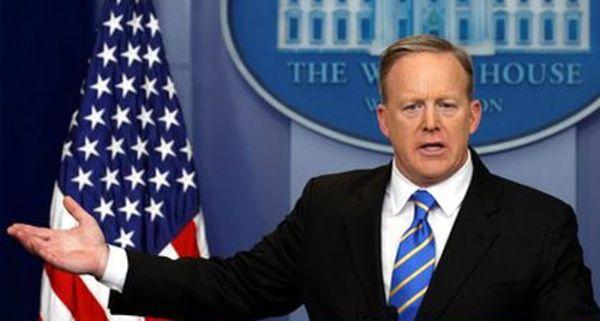 Trump no descarta más ataques contra Siria, advierte Spicer