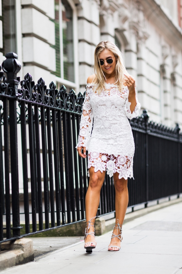 How to accessories a white lace dress