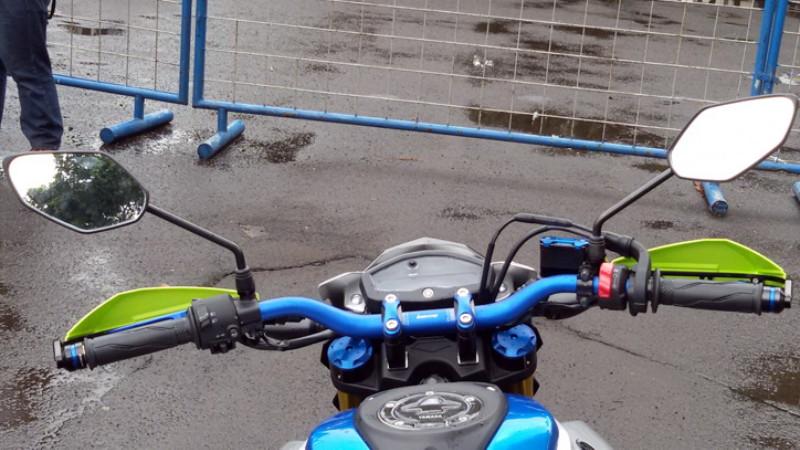 gambar stang Fatbar pada motor modifikasi
