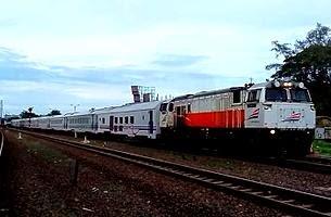 Informasi Jadwal Kereta Api Tegal Bahari Tegal-Jakarta (PP)