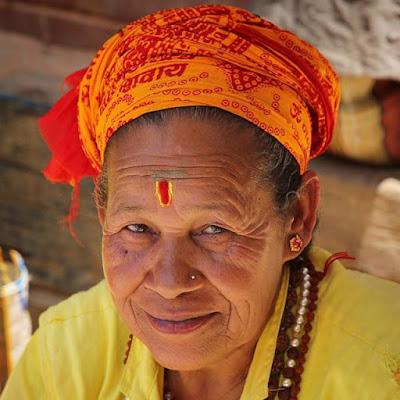 Mujer en el Templo de Manakamana