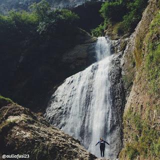 Air Terjun Sawangan atau Curug Sawangan