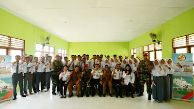 Tuntaskan Sosialisasi Layanan Publik di Perbatasan RI-Malaysia, Bakamla RI Kunjungi SMAN 1 Sebatik