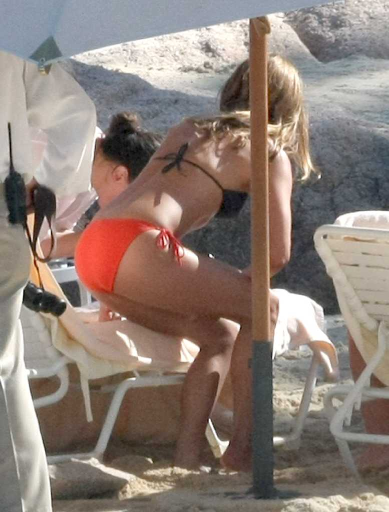Natural Shower 73 Pics Of Jennifer Aniston Naturally -4664