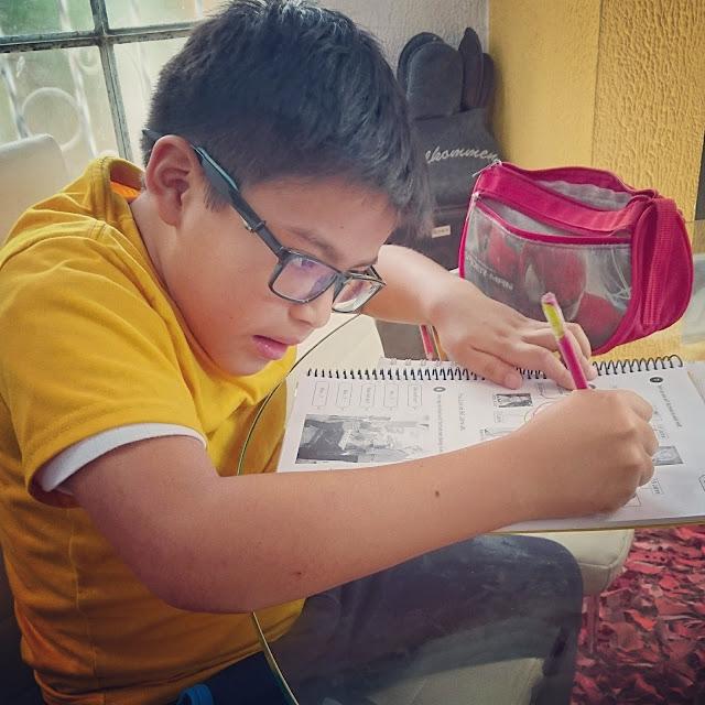 Weltreise Worldtrip Michiumdiewelt Nachhilfestunden-deutsch-in-Ecuador