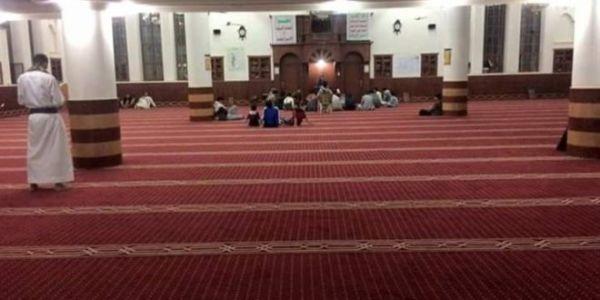 المصلون يغادرون المساجد في ذمار رفضا لخطباء الموت الذين فرضتهم المليشيات الحوثية ..