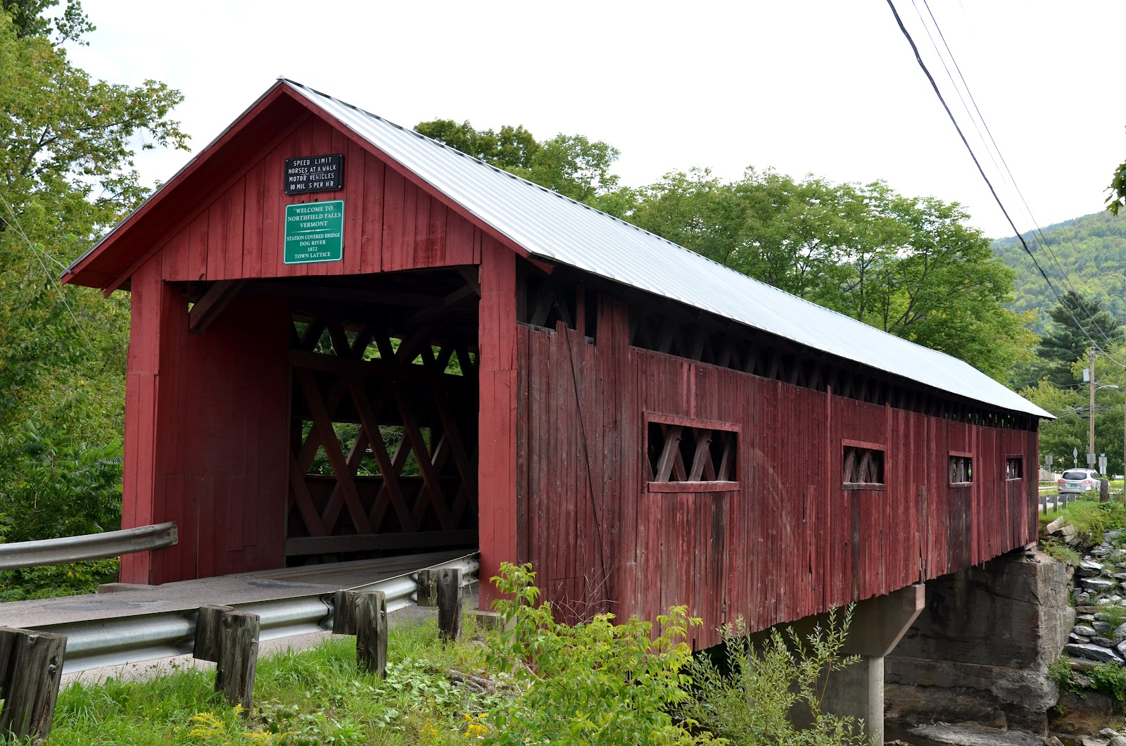 baugh s blog photo essay covered bridges in vermont side view of station bridge in northfield falls reveals some of the town lattice design built in 1872