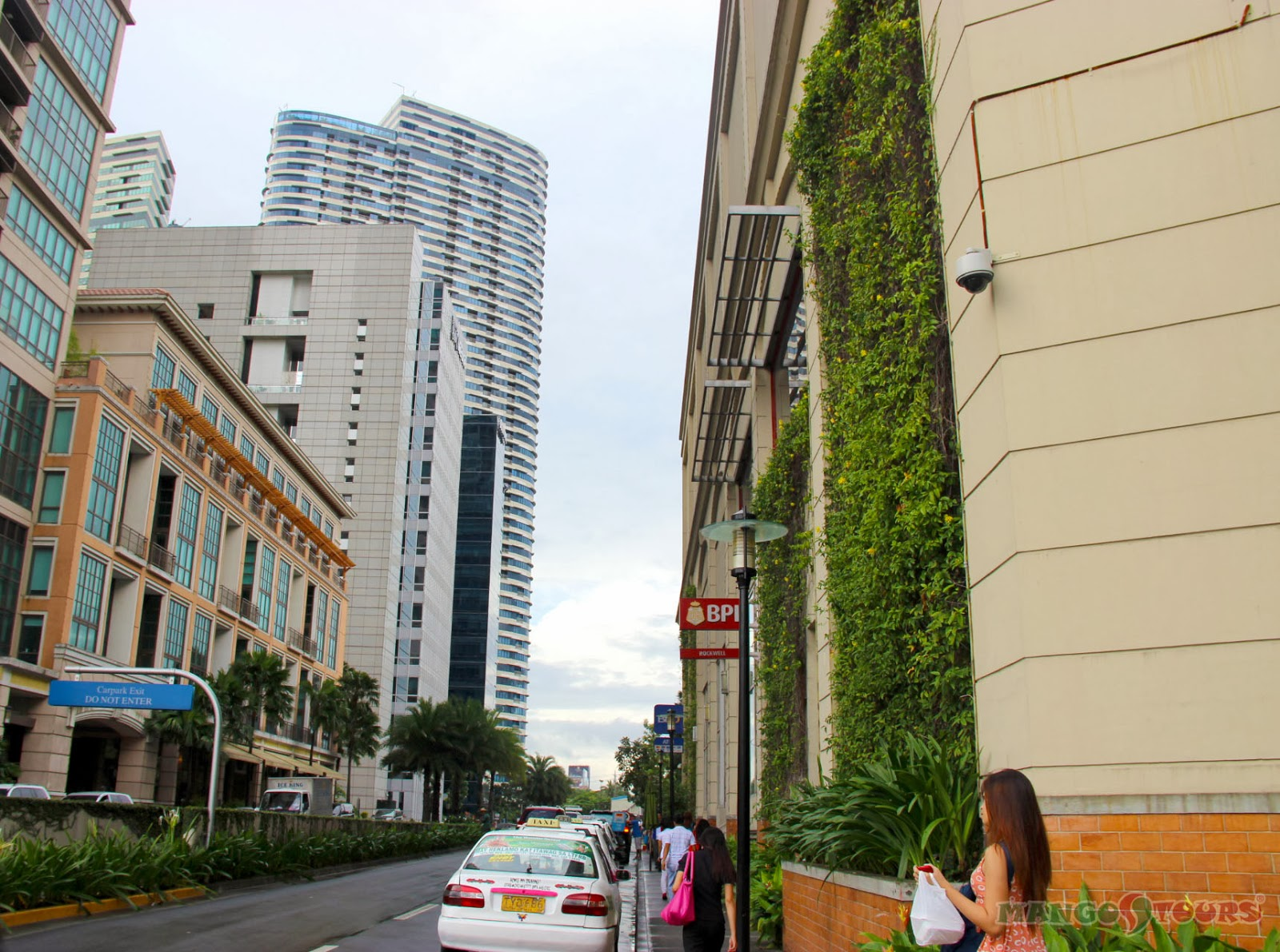 City Garden Hotel Makati nearby malls