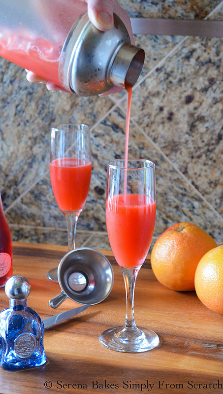 Strawberry-Grapefruit-Mimosas-Pink-Moscato.jpg