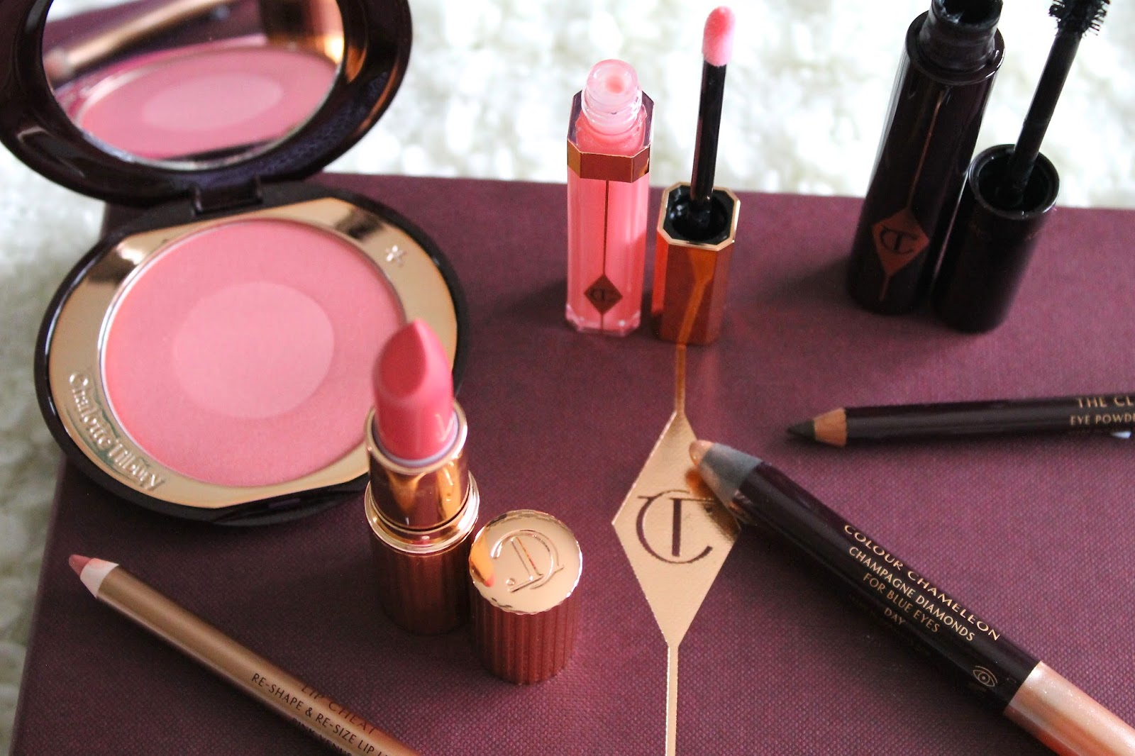 Charlotte Tilbury Lip Cheat in Pink Venus
