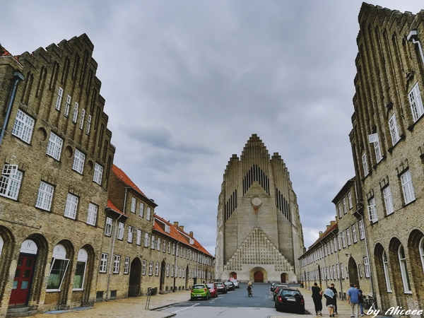Grundtvig-Church-Copenhaga-obiectiv-turistic-impresii