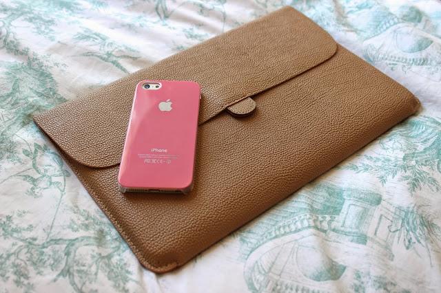 Pink Apple iPhone Case MacBook Carry Case Blog