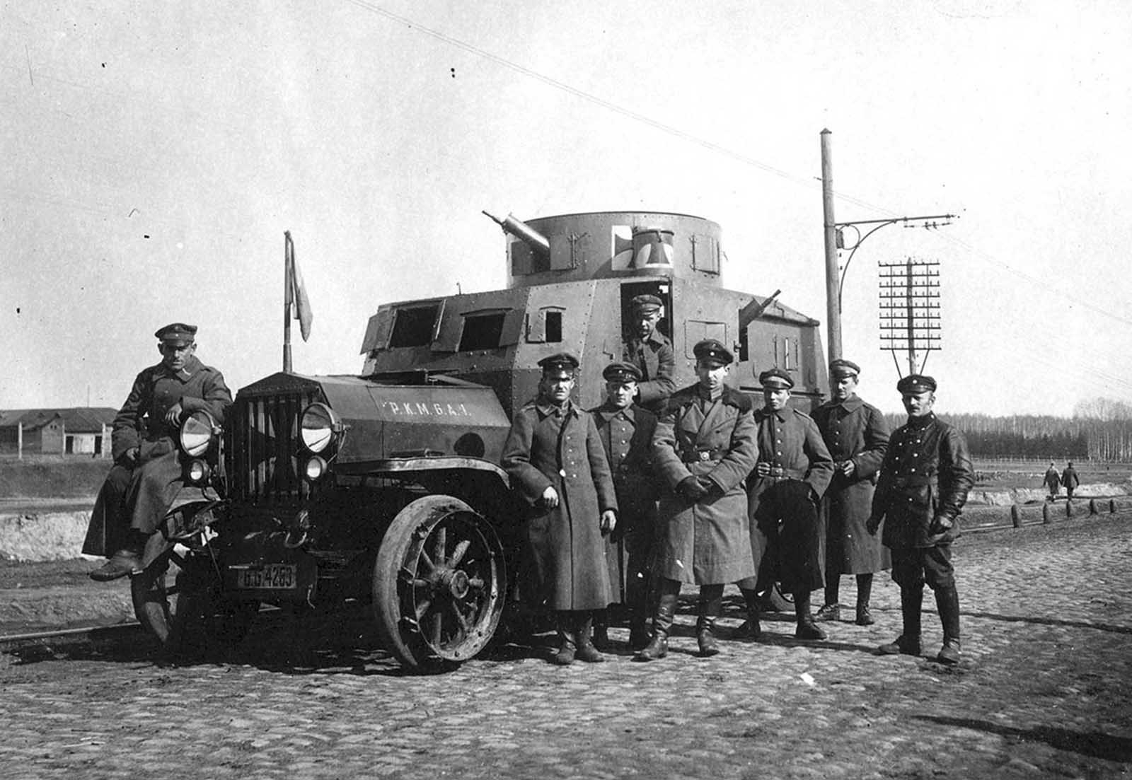 German officers with an armored car, Ukraine, Spring of 1918.